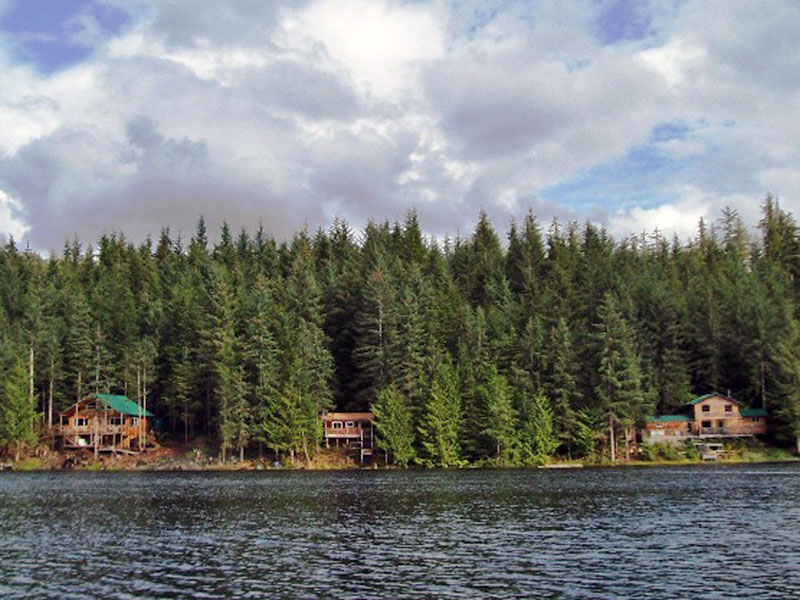 Accommodations - Waterfront cabins, Thorne bay Alaska.